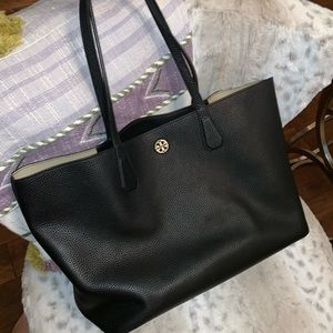 Handbags - Tory Burch Perry Tote